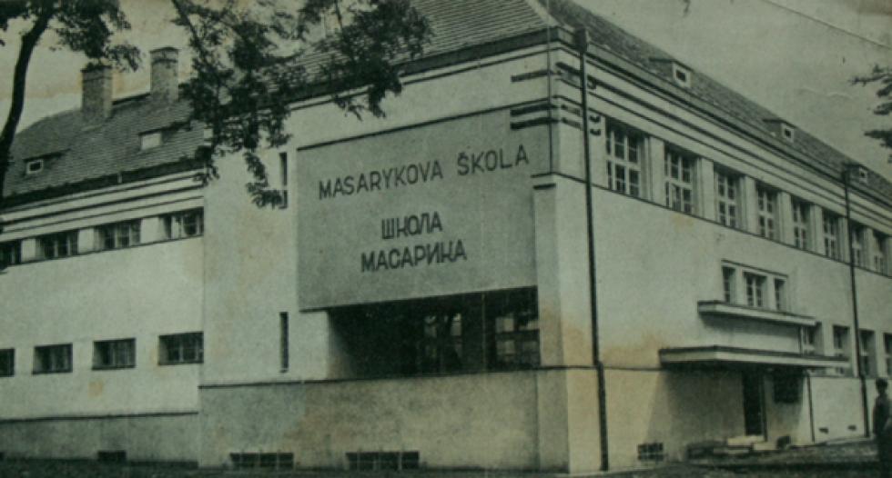 Свалява. Школа Масарика. 1910-1938 роки